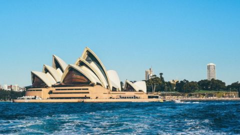 Cheap flights from Bengaluru to Sydney for ₹ 23543 ($ 344)